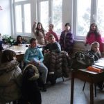 Четвртаци у школској библиотеци